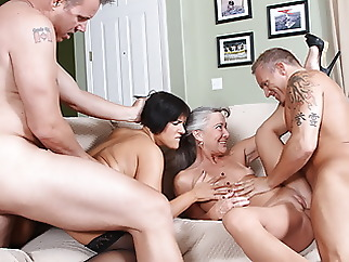 Partner Swap amateur blowjob